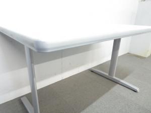 【4人用として最適なサイズ!】■ミーティングテーブル(W1200mm)ホワイト T字型脚|その他シリーズ(中古)