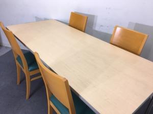 【1セット入荷!】ナチュラル天板ミーティングテーブル+チェア4脚セット|休憩室や食堂用にもおすすめ!|その他(中古)
