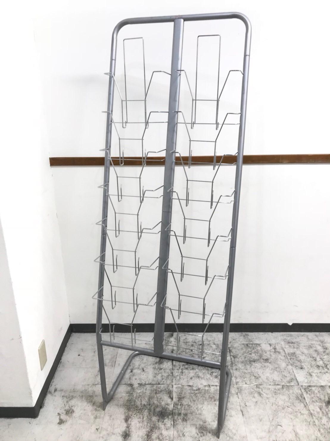 2列x7段 スリムサイズのカタログスタンドが入荷致しました。