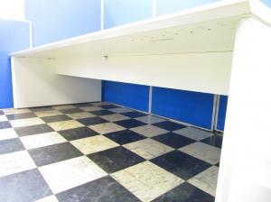 【4名~6名様用】天板から脚まで全てホワイト!!きれいなオフィスづくりを予定している方におすすめです!天板1枚辺り幅2800mm[ProUnit Freeway](中古)