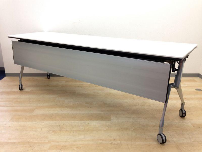 【レアな幅2100mmスタックテーブル!】オカムラ製のホワイトカラー!6台入荷!