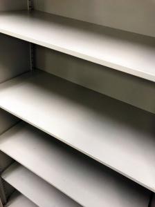 【4台入荷】イトーキ製品のシンラインの書庫の入荷です!スタンダードな書庫になります!丈夫な商品になります![THIN LINE](中古)