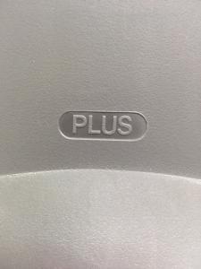 【かわいらしい丸みを帯びたデザイン】プラス製 オーバルチェア A00546926 θ(中古)