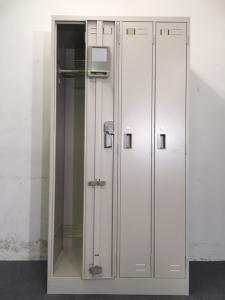 【10台入荷】コクヨ製 4人用ロッカー 衣服や荷物もしっかり収納!入れ替えや追加にいかがでしょうか!(中古)