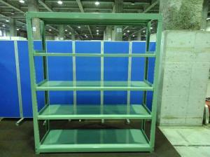 グリーン色の中古ラックが大量(18台)入荷しました! 天地5段 耐荷重:段/300kg ボルトレスなので組立も簡単! ※マテハン本舗の中古商品は、千葉県柏市に在庫がございます。