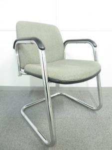 【安定感のある座り心地】■ミーティングチェア 肘付 カンチレバー脚|会議・打合せ用椅子 (中古)