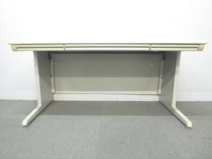 【作業しやすい幅広サイズ!】■オカムラ製 平デスク(W1400mm)■SD-eシリーズ【B】[SD-e Desk system](中古)