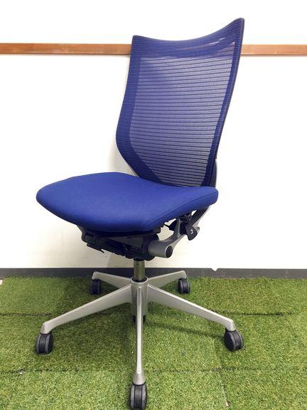 その名はBaron 洗練されたデザインと満足な座り心地 高級メッシュ