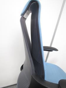 【座る人の体に合わせて】コクヨ製 M4チェアリクライニングロックを自動調節 強さに変化するオートアジャストロッキングを採用しています。お値打ち価格ながら高性能なチェアです!(中古)