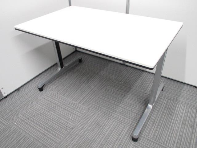 【2名~4名様】T字脚の会議用テーブルです。