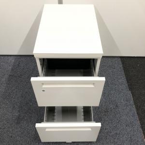 【内田洋行製】広々サイズ 幅1400 天板:ホワイト 明るい執務室で業務効率UP その他シリーズ(中古)