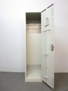 【幅広い収納スペースをお求めならコレ!】■プラス製 1人用ロッカー エルグレー【ワードローブ】|更衣用スチールロッカー(中古)