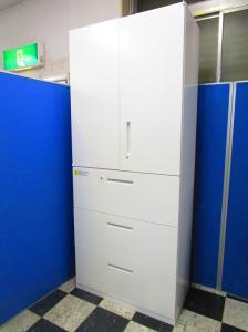 人気のホワイト書庫セット 一番オフィスで使用されている両開き+3段ラテラルセット