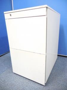 【側面キズ有のため、特別価格!】オカムラ製のプロユニットが入荷致しました! ◆ホワイト