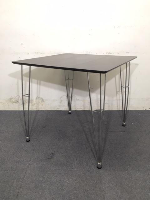 【1台入荷】ブラック 角テーブル|オシャレなコンパクトテーブル入荷致しました!
