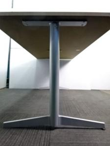 【木目天板】中古ミーティングテーブル T字脚 6名用会議テーブル 【福岡在庫商品】  (中古)