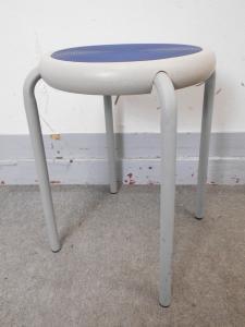 丸イス 簡単な椅子がほしい人はこちら!|その他(中古)