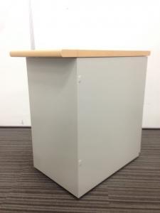 【10台入荷】木天板付き 2段脇机|ナイキ製 NEDシリーズ|ラッチ付き|A4サイズ2段|H700|その他シリーズ(中古)