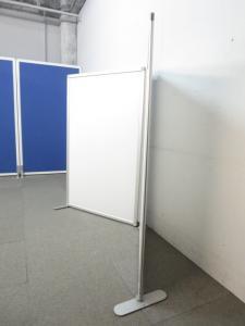 【簡易的な間仕切りにオススメ】■折り畳みパーティション ■フロストホワイト(半透明樹脂)2連パネル[CALXONA](中古)