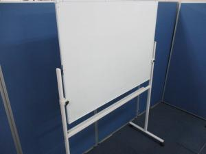 【フレームも全てホワイトカラー!!】キャスター脚付きホワイトボード!! ■会議室にはマストなアイテムです!!|その他シリーズ(中古)