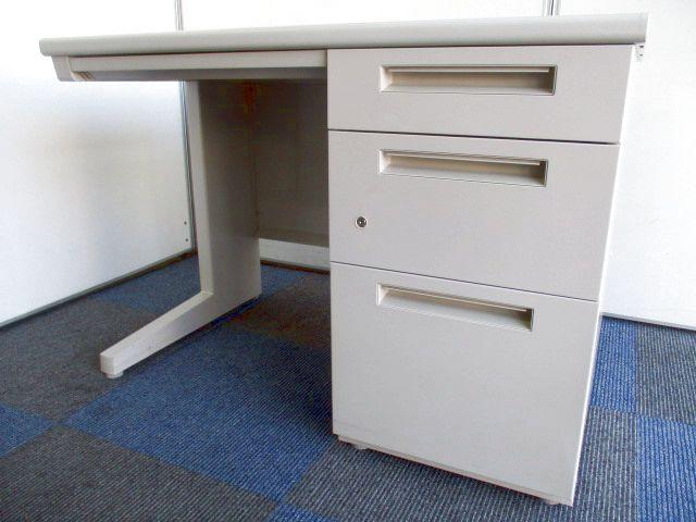 【まとめて揃います!】幅1000mmで使いやすいサイズ感【省スペースで今時のオフィスに!】