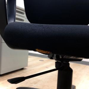【残り1台】プラス製片袖机+コクヨ製イーザチェア!両方傷あるのでお安く!|LA(中古)
