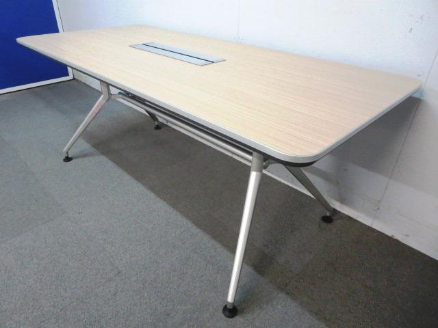 【シャープなデザインが人気です!】■イトーキ製 会議用テーブル 配線ボックス付
