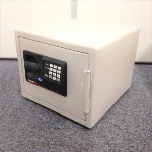 【オフィスのセキュリティ強化!】耐火金庫(テンキー式)A4サイズ収納可能 ※セキュリティ番号変更不可