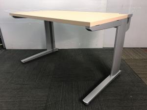 ◆数量2脚 ナチュラル天板の平机◆~コクヨ製シンプレックス2~引き出しがないため作業台としても活躍できます♪