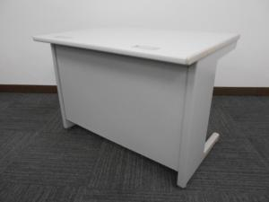【定番オフィスデスク】オカムラ製中古平机 コンパクトサイズ[SD-V Desk system](中古)