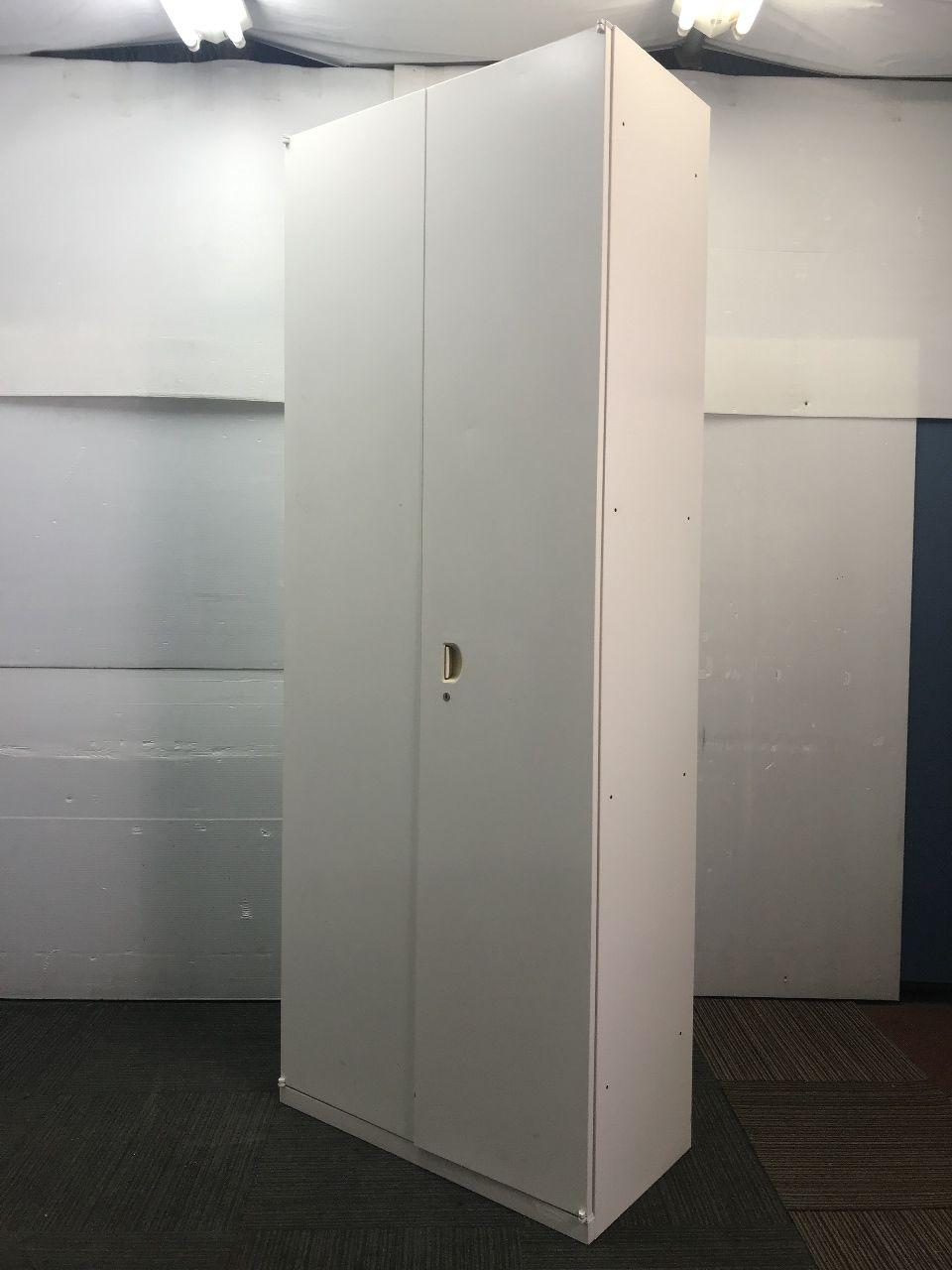 【スリムタイプ】オカムラ製中古ハイキャビネット 単体書庫 ホワイト色