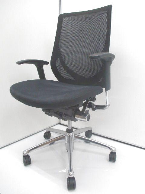 【座り心地もデザイン性も追求したい方へ】背面メッシュのオカムラ製ゼファー入荷致しました。