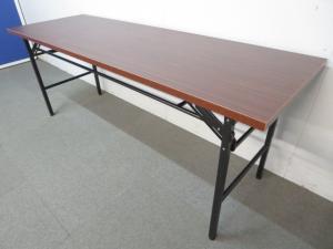 【お得な未使用品!】■折りたたみテーブル(W1800×D600mm)■木目柄 ローズ