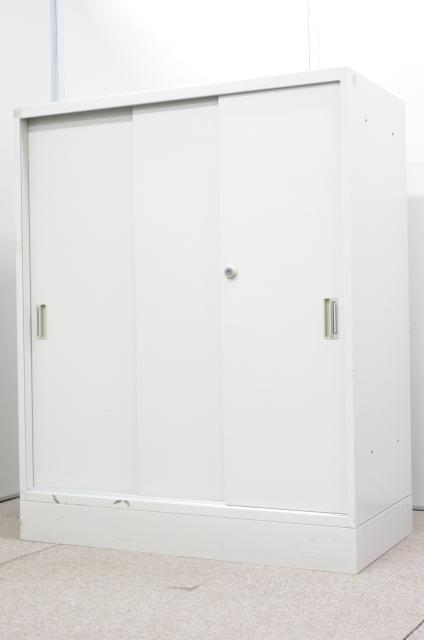 【使い易さに定評有り!!】限られたスペースを有効活用!!スライド扉の収納書庫!!【人気の3枚引戸!!】