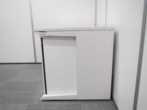 【セット商品:平机127×3段ワゴン】イトーキ製人気のホワイトカラー 人気のホワイト色がオフィスを明るくします。高さH720タイプです。ワゴンは、オカムラプロユニットでのセットです! [CZR DESK](中古)