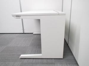 【セット商品:平机127×3段ワゴン】イトーキ製人気のホワイトカラー 人気のホワイト色がオフィスを明るくします。高さH720タイプです。ワゴンは、イトーキ製のインクルード!3段ワゴンでのセットです! [CZR DESK](中古)