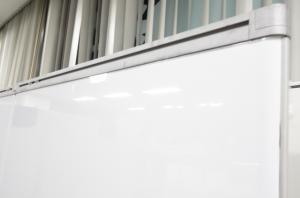 【レア商品入荷!!】間仕切りとしてはもちろん、ホワイトボードとしても使える優れ物!!【限定1台!!】 その他シリーズ(中古)