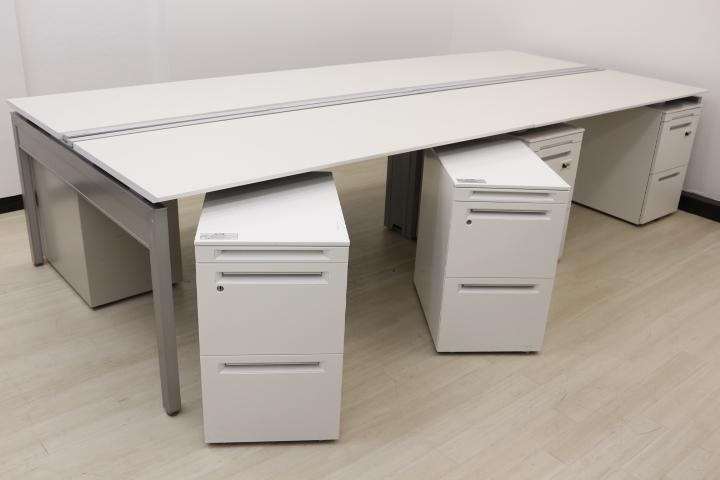 【売れてます!デスク+ワゴン8台セット!】幅3200mmと1人W1600mm両袖机として広々使えます! 1人でワゴン2台分の書類の収納が可能です!