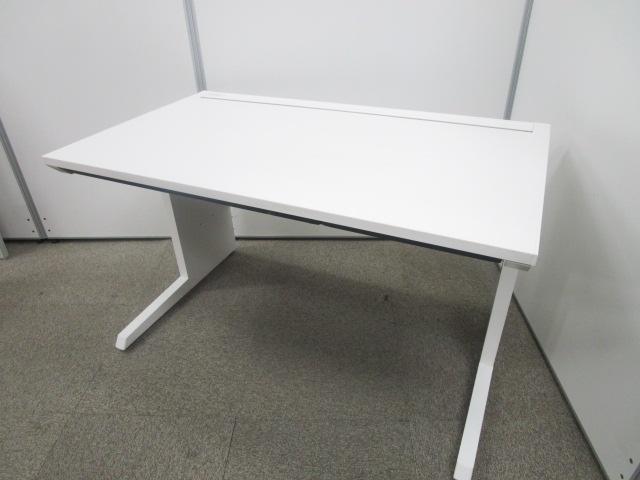【W1200サイズ】使い勝手の良いサイズのホワイトデスク イトーキ 平机 