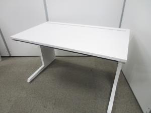 【W1200サイズ】使い勝手の良いサイズのホワイトデスク|イトーキ|平机|