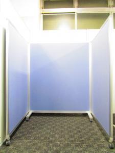 休憩スペースなど場所を区切って快適な空間を演出できます。|-(中古)