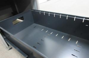【汚れの目立たないグレーカラー!!】コンパクトな事務用机!!定番シリーズ入荷!!【大量入荷!!】[CZ DESK](中古)