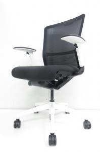 【2014年グッドデザイン賞受賞!!】長時間でも疲れにくい、快適な座り心地!!高いデザイン性のオフィスチェア!!【状態良好!!】