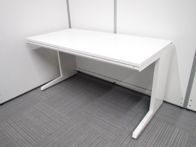 【現代オフィスの主流といえば!】ホワイトがまぶしい!大人気シリーズがロット入荷です!