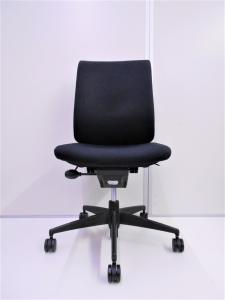 【美品】¥15,000以内で見た目、座り心地も気にしたいという方にお勧めです!肘なしで動きやすいです![Wizard](中古)