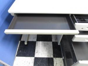 商品入替の為お安く!オカムラの定番シリーズ!配線を使いやすく整理しやすいデスク【A00465040-6075】【β】[SD-e Desk system](中古)