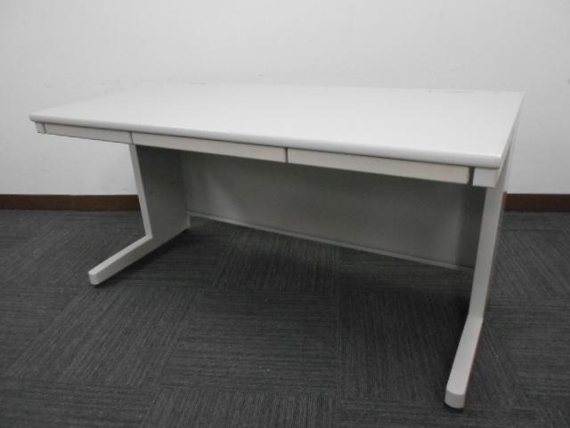 【作業スペースが広く上長向け】コクヨ製中古事務机 オフィスデスク