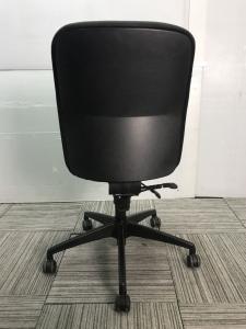 Steelcase オフィスチェア 【ブラックカラー】8脚入荷!![Apt](中古)