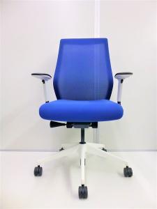 【限定1脚!状態良好】2018年製!内田洋行製安定した座り心地を提供するシートと、独自に開発されたリクライニング機構[Elfie](中古)