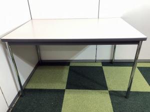 【丁度いい大きさ!】安心の国内メーカー製ミーティングテーブルです! その他シリーズ(中古)